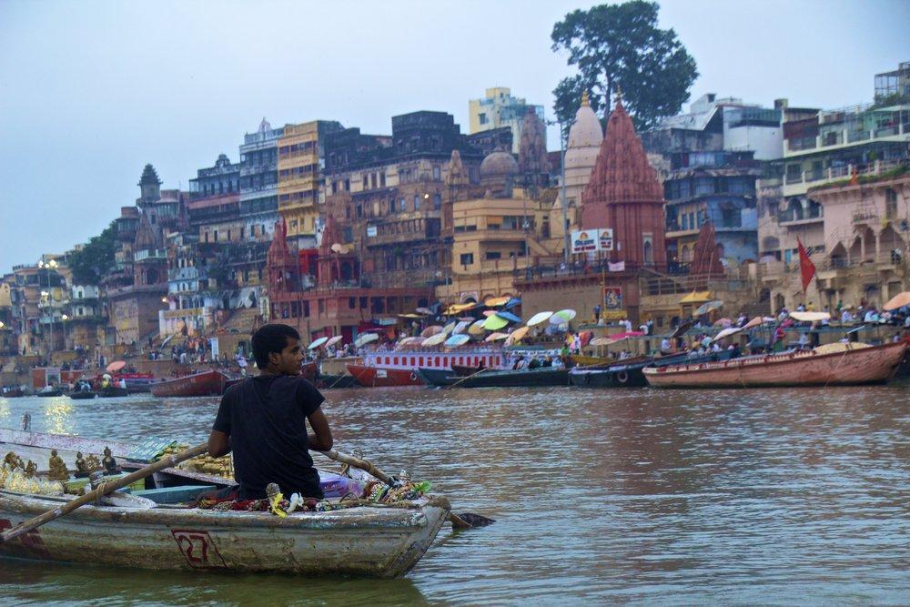 varanasi ghats sunrise 9.jpg