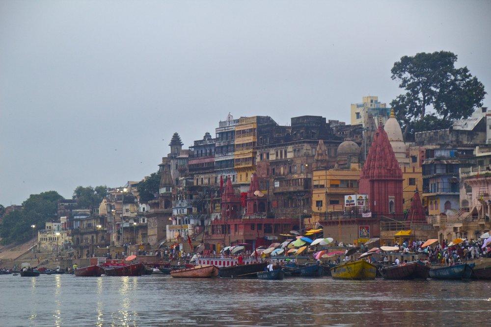varanasi ghats sunrise 10.jpg