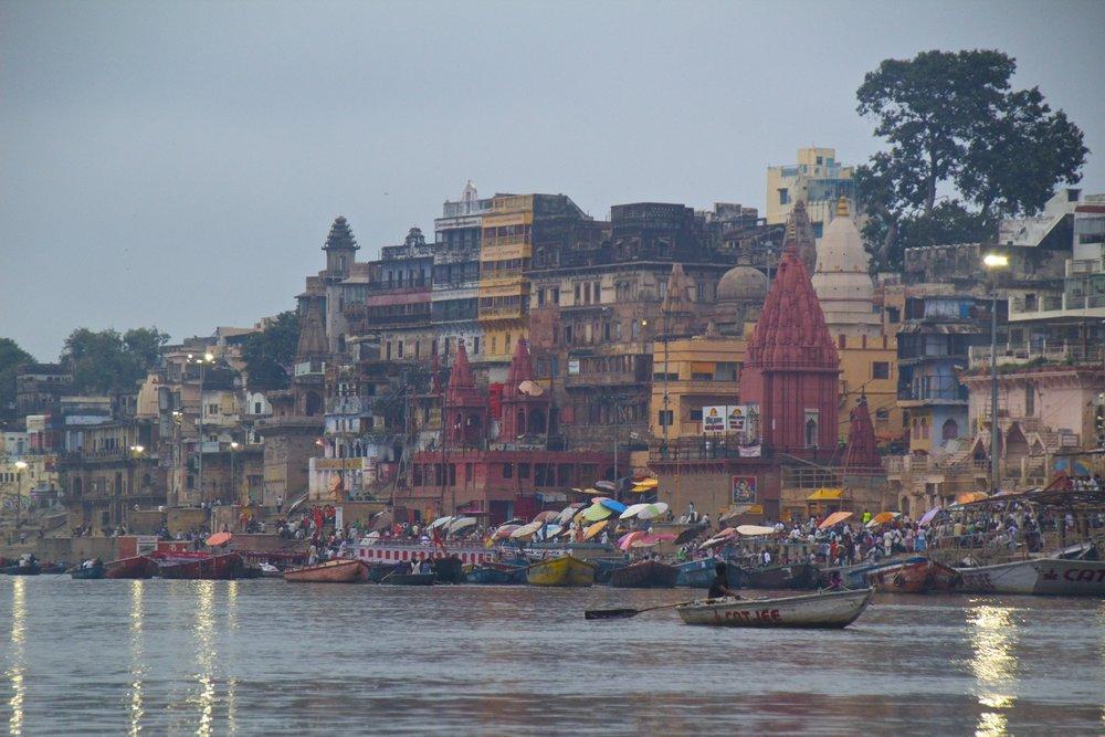 varanasi ghats sunrise 12.jpg