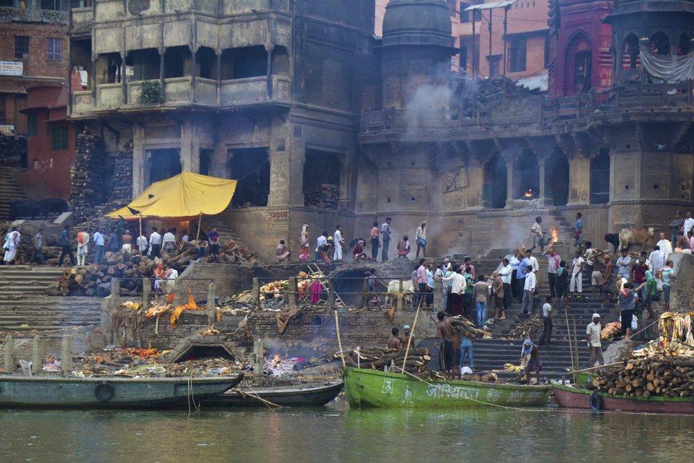 varanasi ghats sunrise 13.jpg