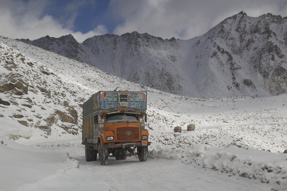 khardungla pass ladakh kashmir india himalayas photography roads 2.jpg