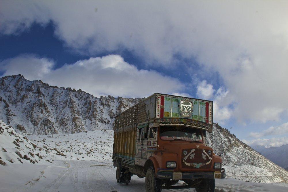 khardungla pass ladakh kashmir india himalayas photography roads 3.jpg