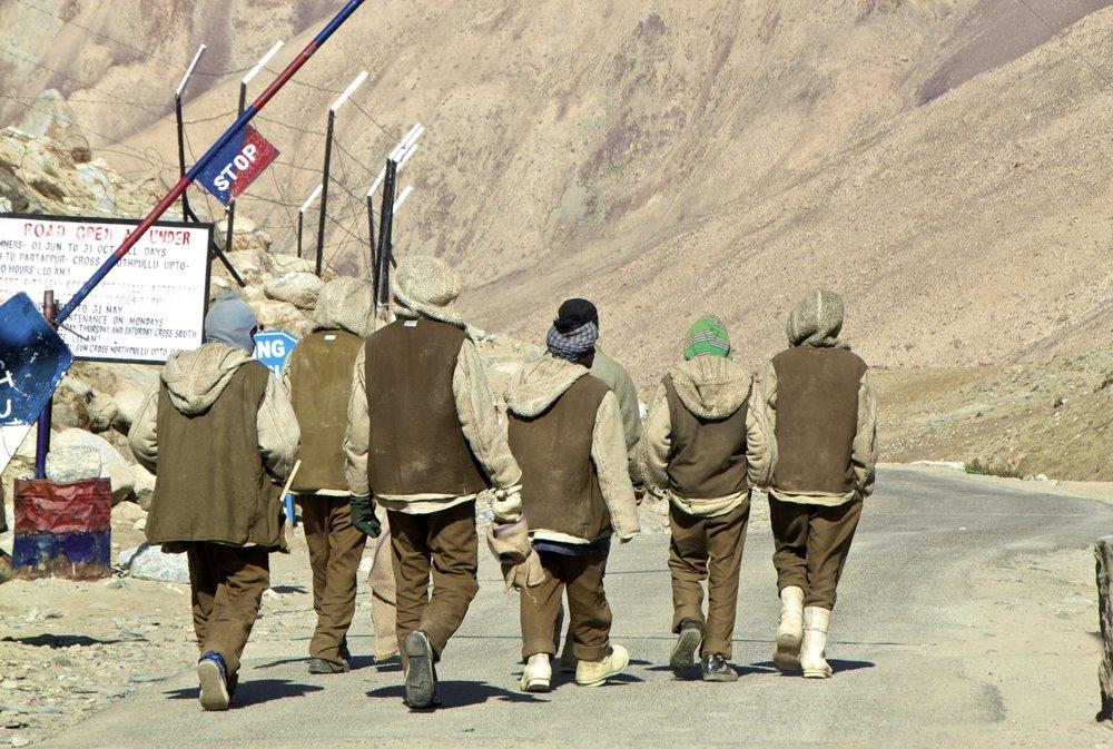 khardungla pass ladakh kashmir india himalayas photography roads 1.jpg