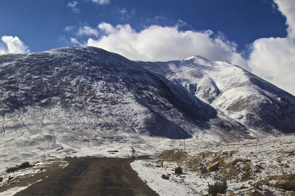 khardungla pass ladakh kashmir india himalayas photography roads 5.jpg