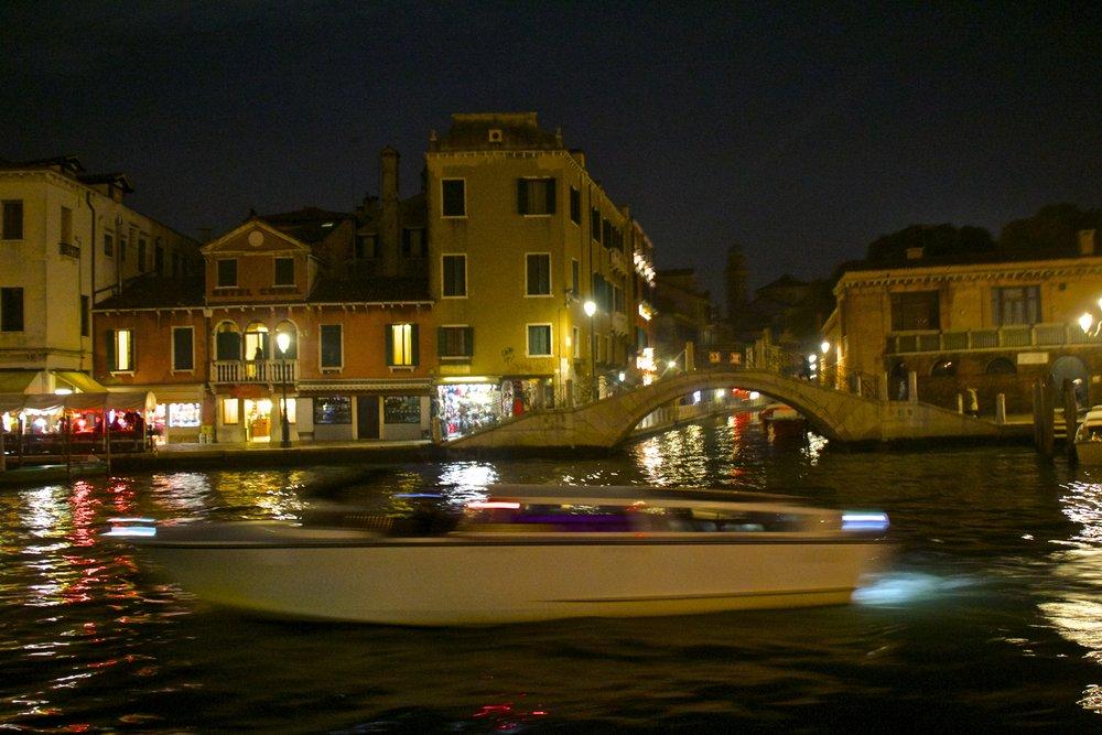 venice venezia veneto italy at night 25.jpg