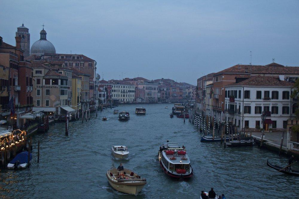 venice venezia veneto italy at night 2.jpg
