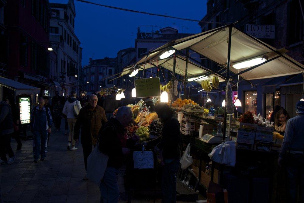 venice venezia veneto italy at night 8.jpg