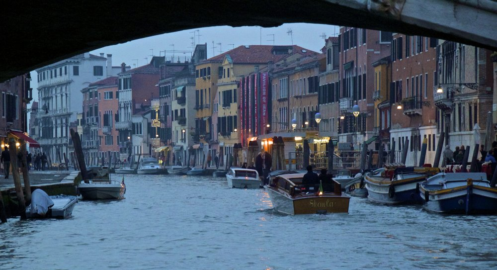 venice venezia veneto italy at night 7.jpg