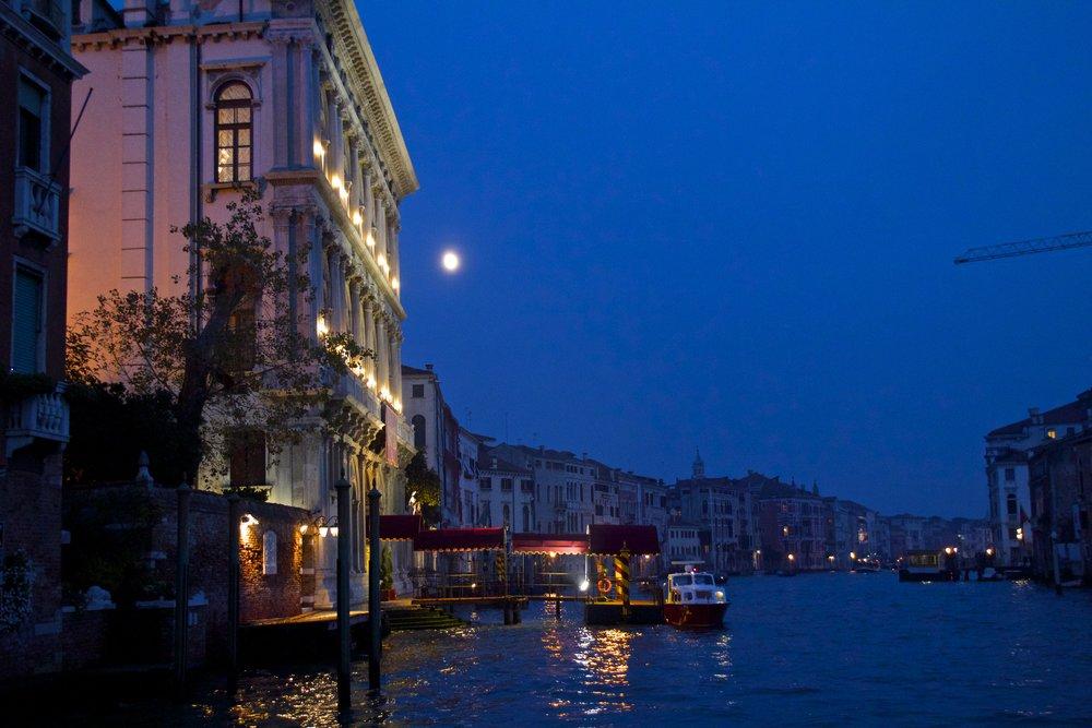 venice venezia veneto italy at night 12.jpg