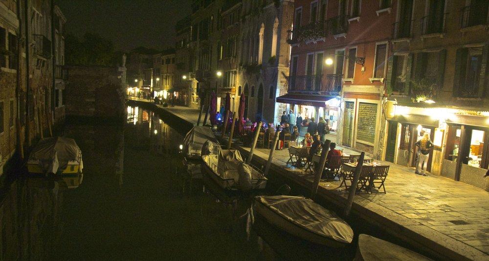 venice venezia veneto italy at night 14.jpg