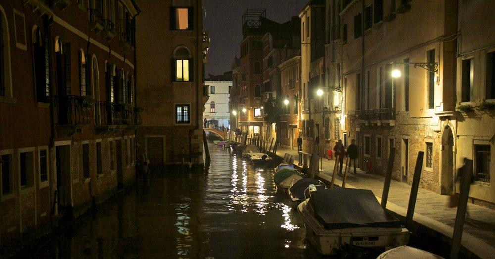 venice venezia veneto italy at night 15.jpg
