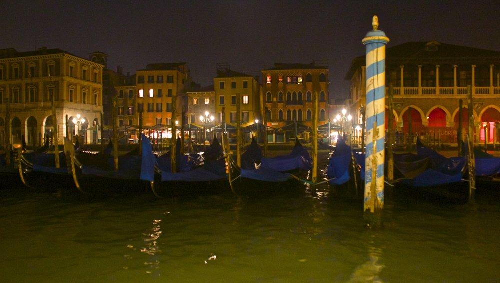 venice venezia veneto italy at night 16.jpg