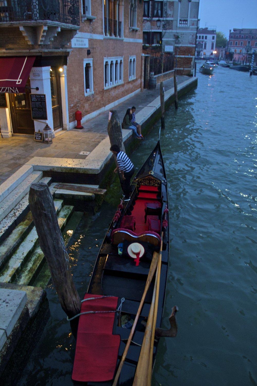 venice venezia veneto italy at night 6.jpg