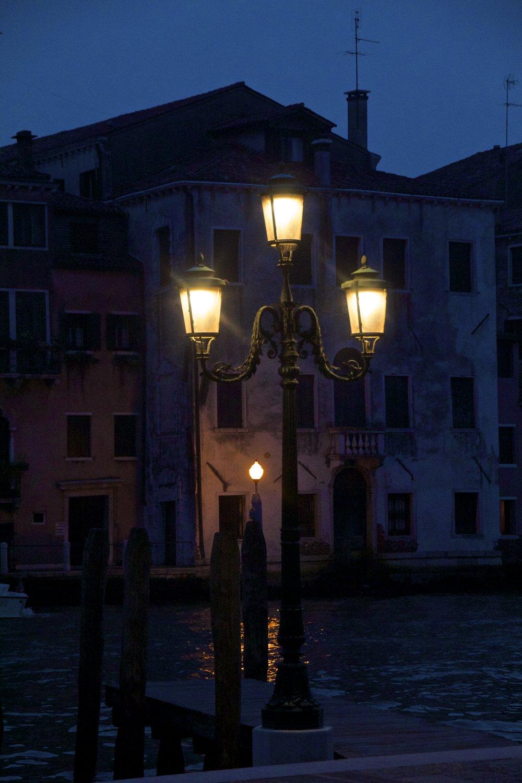 venice venezia veneto italy at night 9.jpg