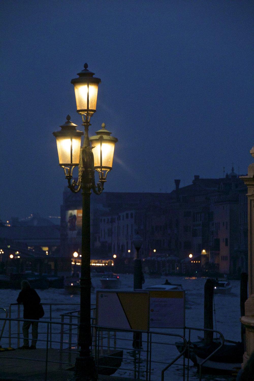 venice venezia veneto italy at night 10.jpg