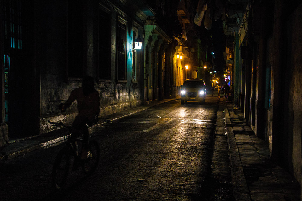 havana cuba streets at night-1-2.jpg