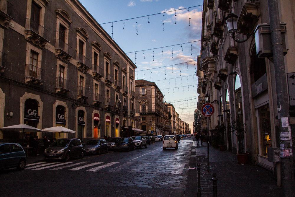 streets-catania-sicily-sicilia-19.jpg