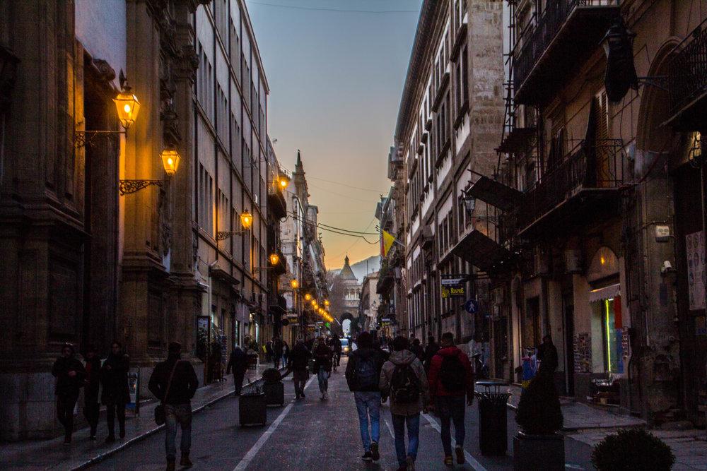streets-palermo-sicily-37.jpg