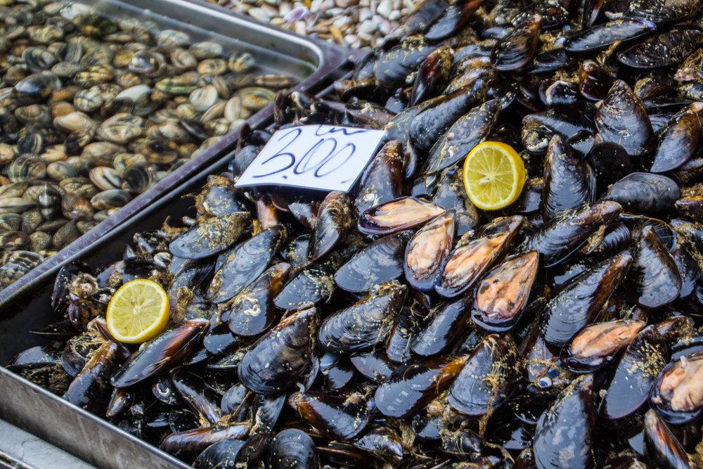 fish-market-catania-sicilia-10.jpg