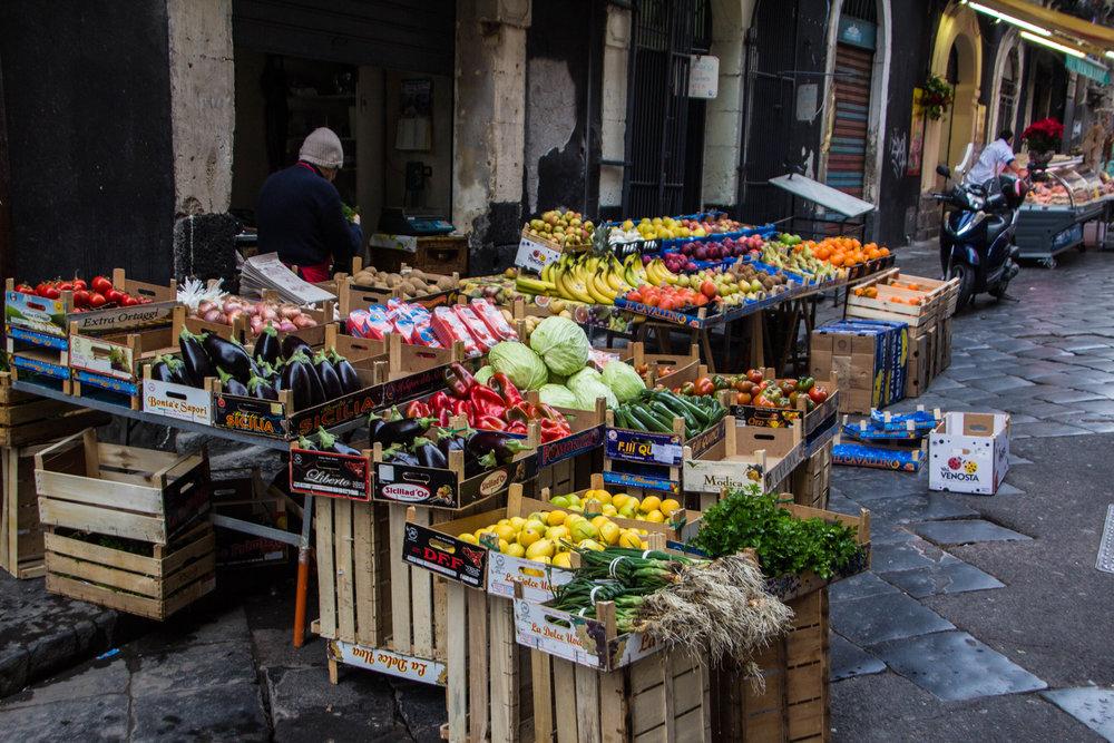 fish-market-catania-sicilia-17.jpg