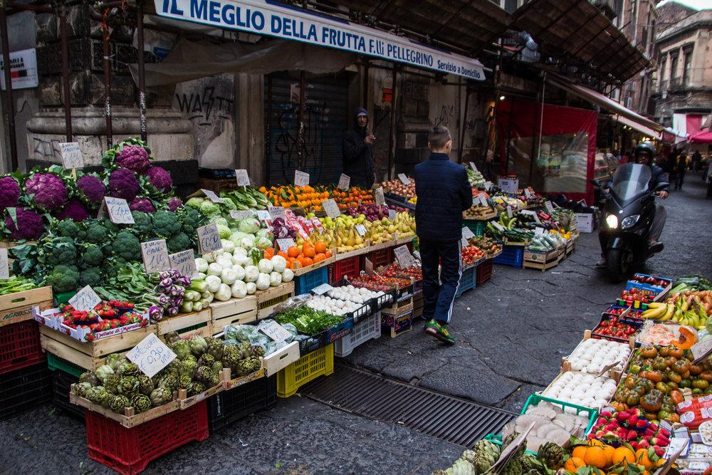 fish-market-catania-sicilia-19.jpg