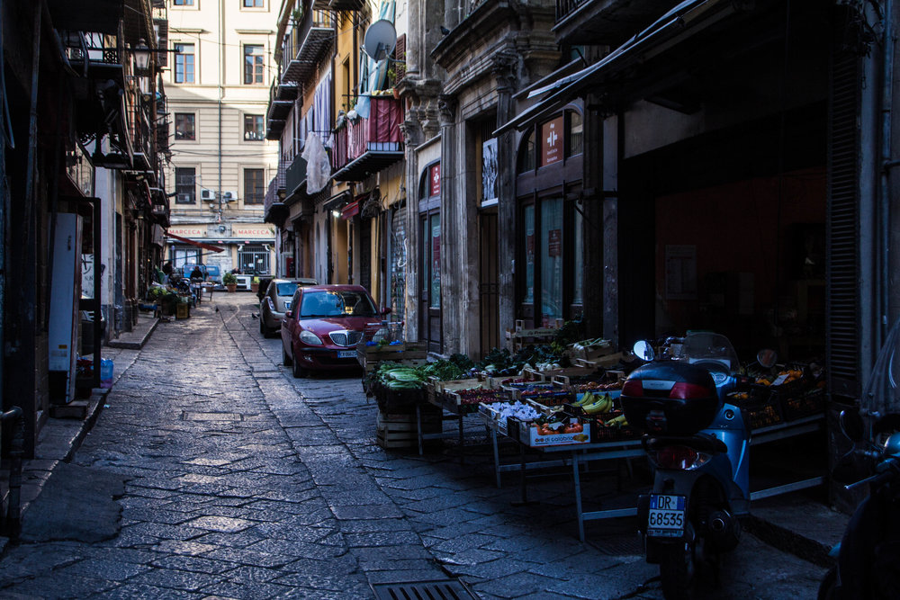 street-photography-palermo-sicily-30.jpg