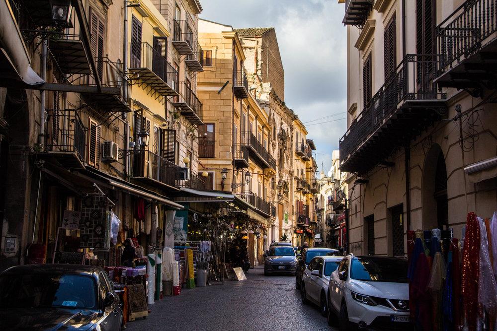 street-photography-palermo-sicily-58.jpg