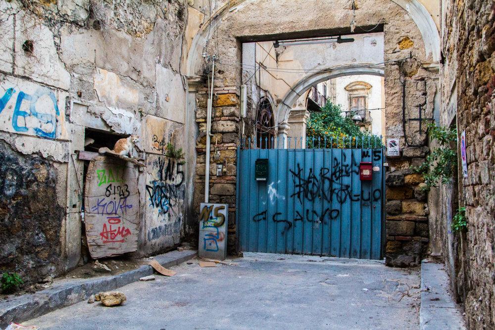 streets-palermo-sicily-39.jpg