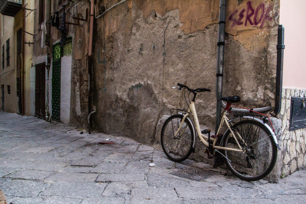 streets-palermo-sicily-42.jpg