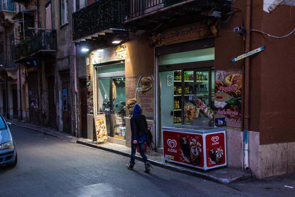 streets-palermo-sicily-49.jpg