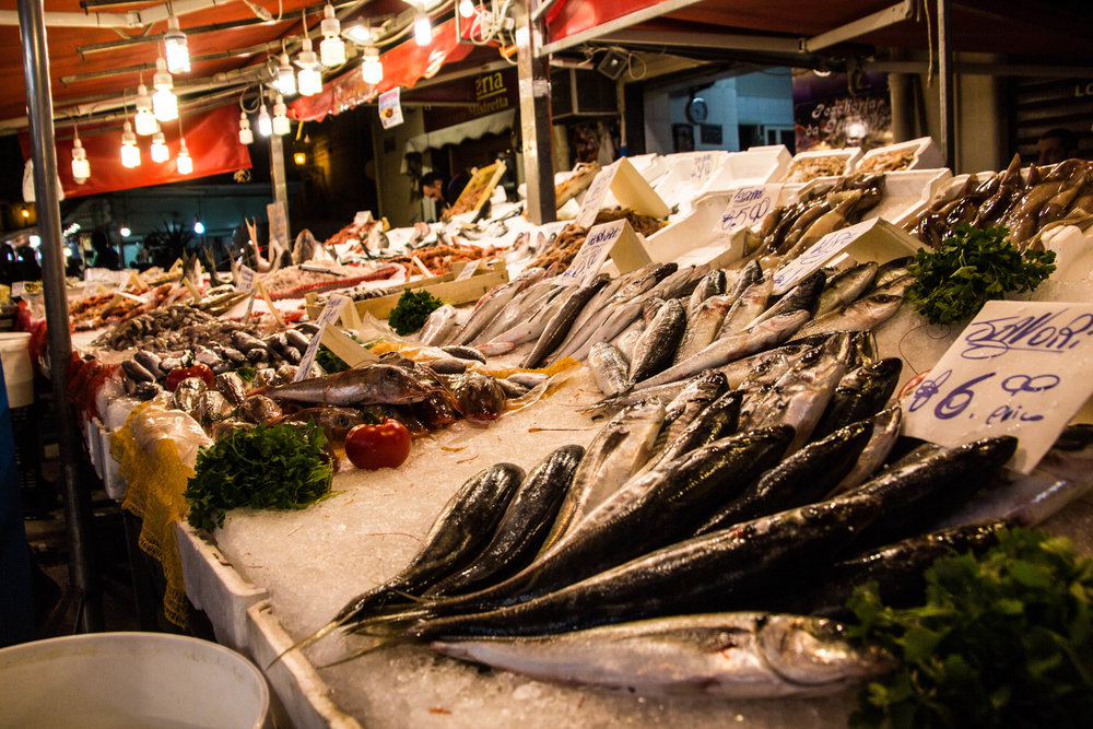 night-street-market-palermo-sicily-12.jpg