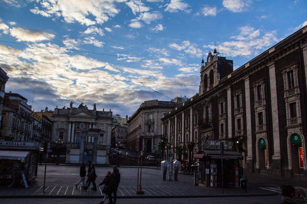 streets-catania-sicily-sicilia-10.jpg