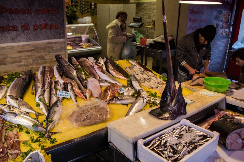 main-market-catania-sicilia-19.jpg