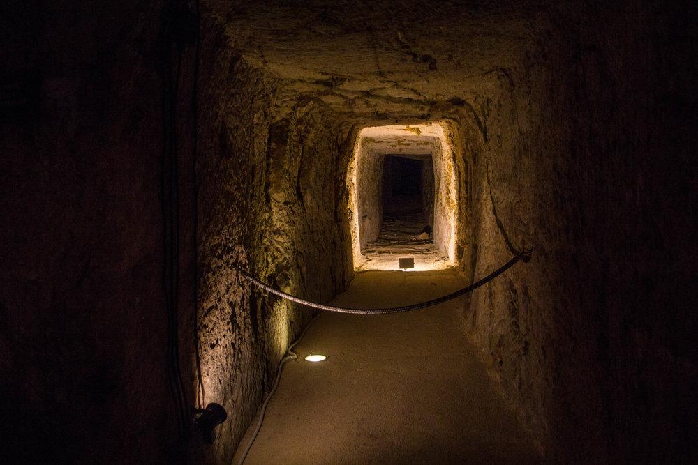 wwii-bomb-shelter-syracuse-sicily-4.jpg