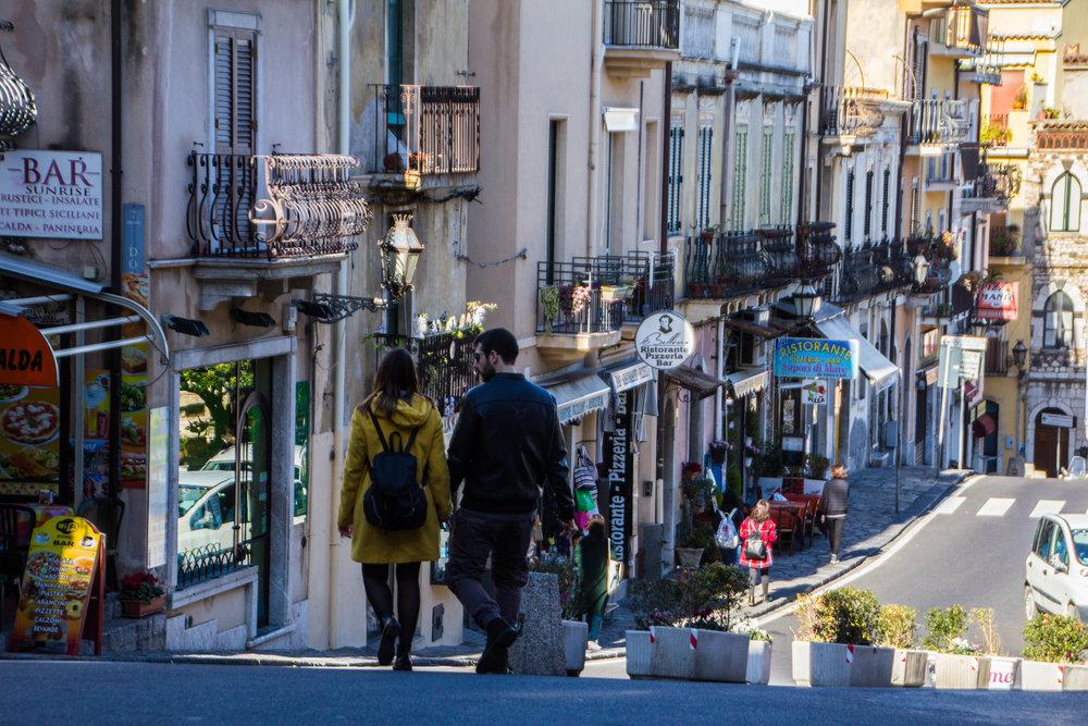 street-photography-taormina-sicily-9.jpg