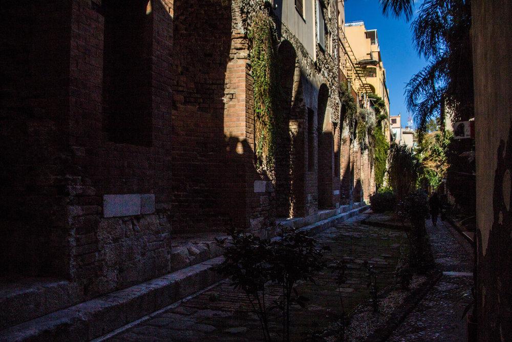 street-photography-taormina-sicily-35.jpg