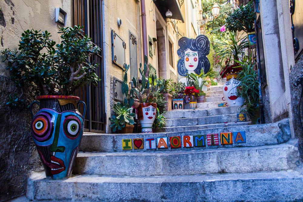 street-photography-taormina-sicily-39.jpg