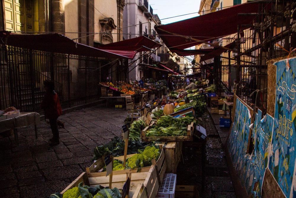 street-markets-palermo-sicily-9.jpg
