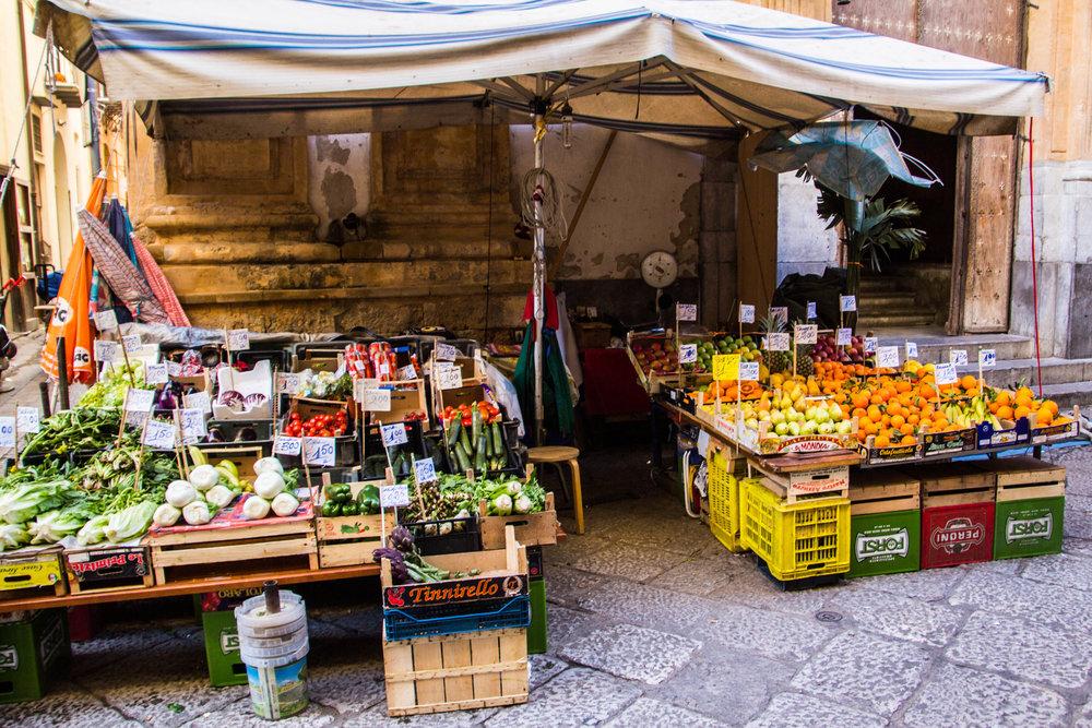 street-markets-palermo-sicily-17.jpg