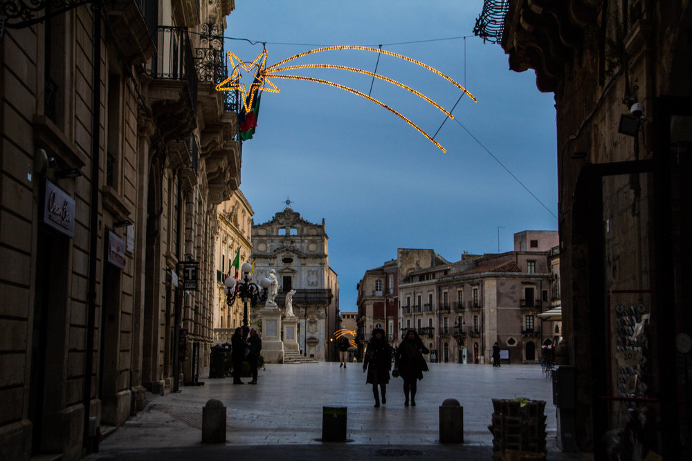 piazza-duomo-sunset-ortigya-syracuse-sicily-3.jpg