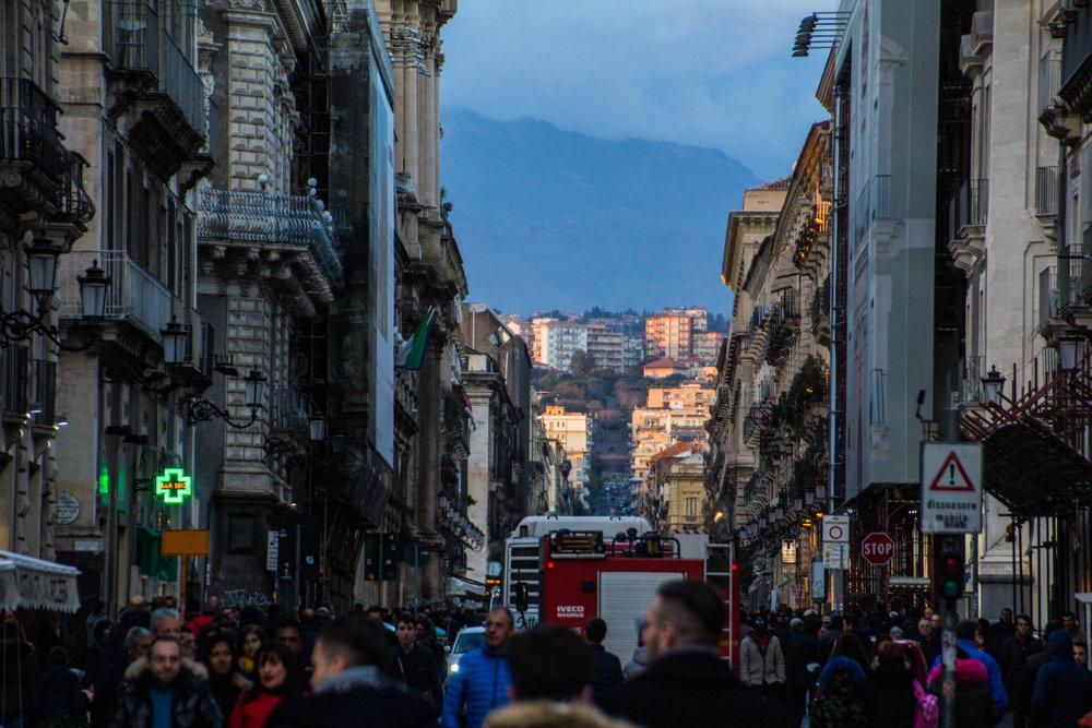 streets-catania-sicily-sicilia-24.jpg