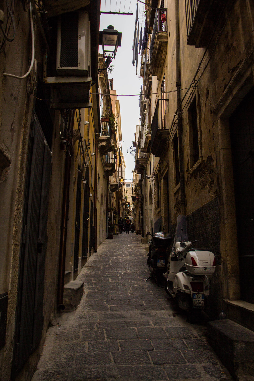 ortygia-syracuse-sicily-streets-12.jpg