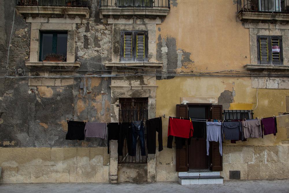 streets-ortygia-syracuse-sicily-12.jpg