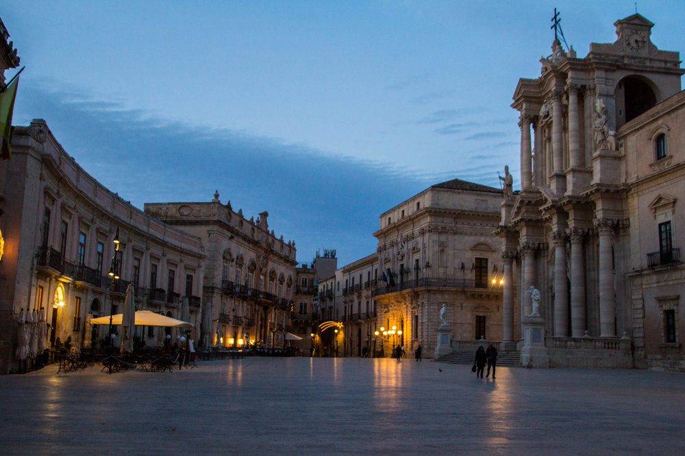 piazza-duomo-sunset-ortygia-syracuse-sicily-23.jpg
