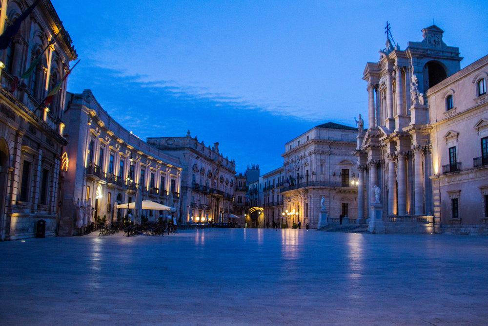 piazza-duomo-sunset-ortygia-syracuse-sicily-27.jpg