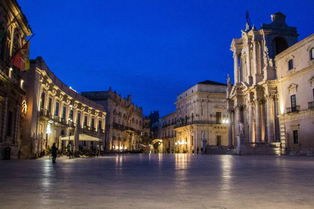 piazza-duomo-sunset-ortygia-syracuse-sicily-34.jpg