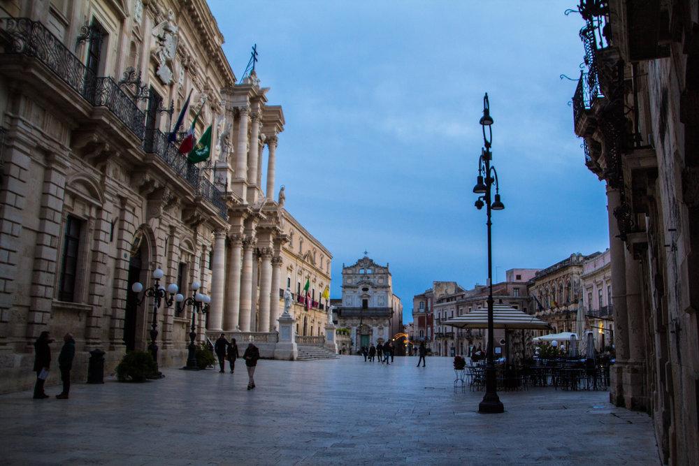 piazza-duomo-sunset-ortygia-syracuse-sicily-4.jpg