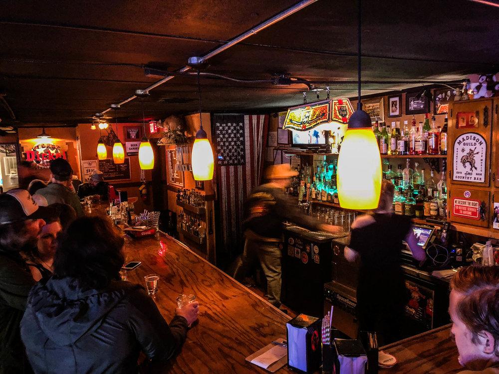 dee's-nashville-bars-nightlife-2.jpg