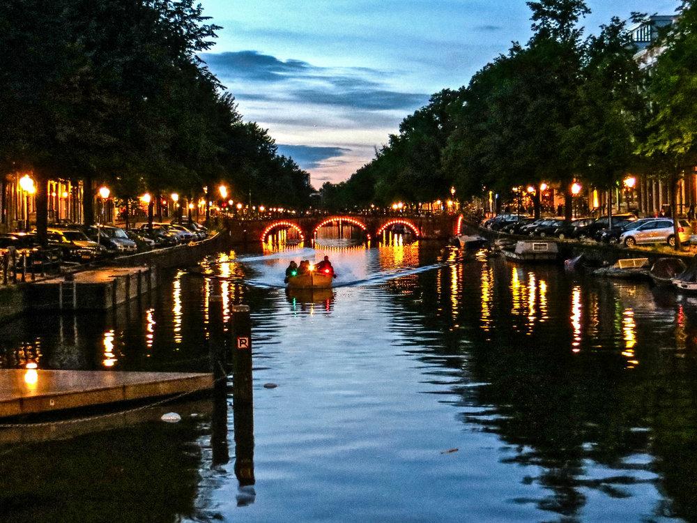 amsterdam-netherlands-street-photography-7-2.jpg