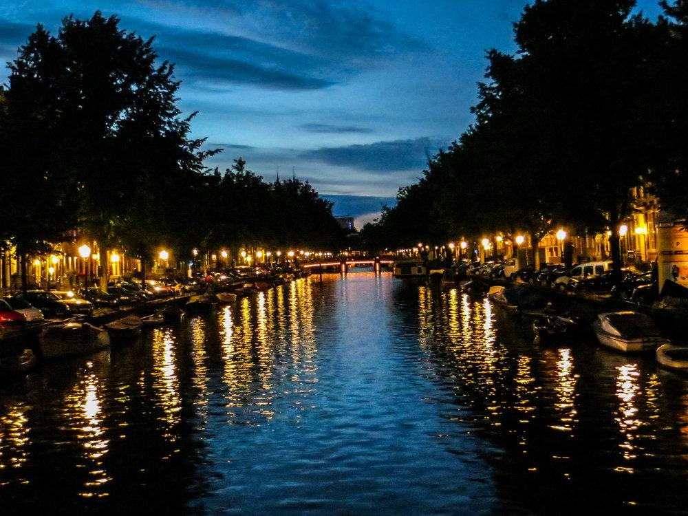 amsterdam-netherlands-street-photography-9-2.jpg